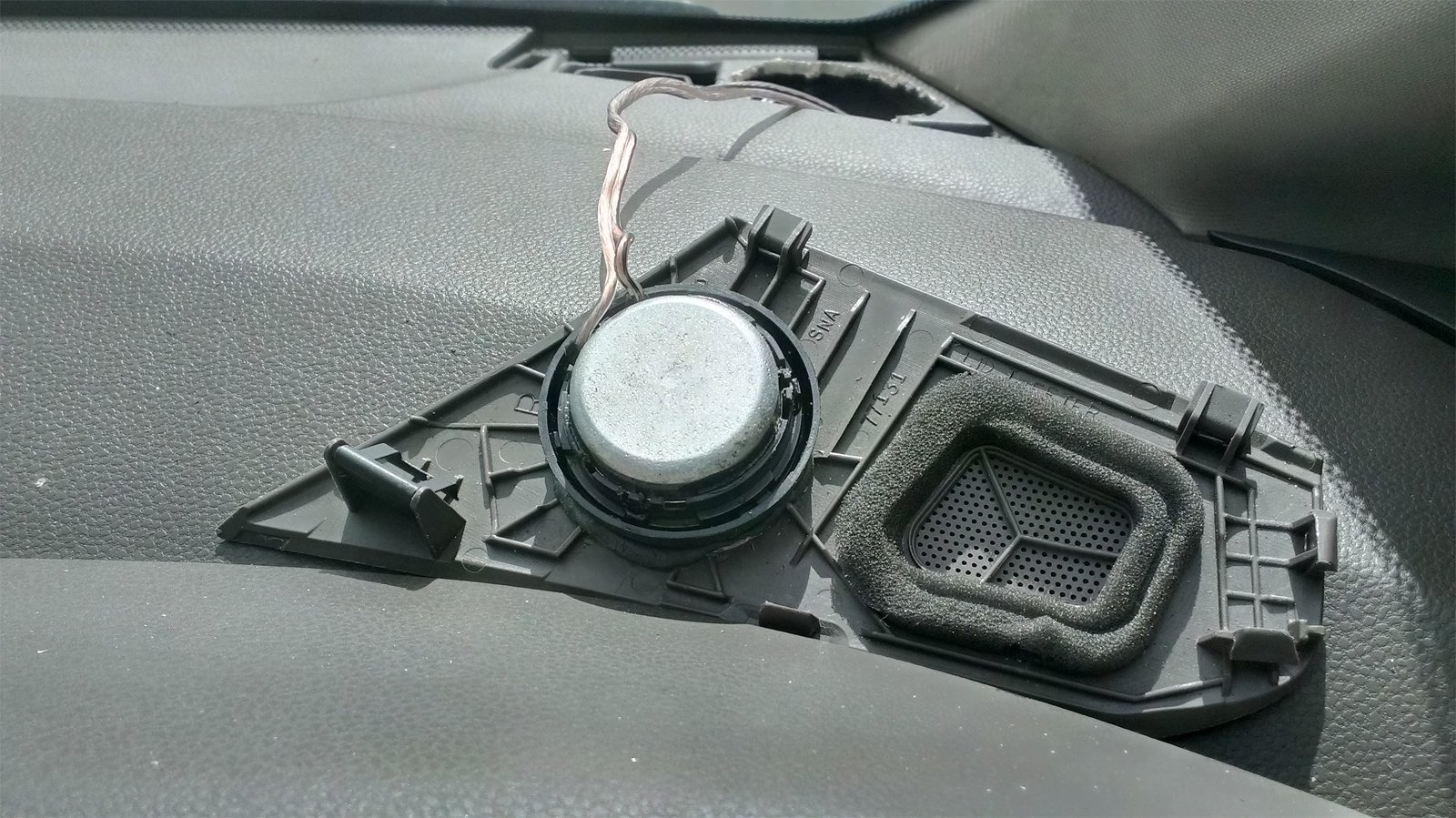 DIY Aftermarket Tweeter Replacement in Dash-imag0864.jpg