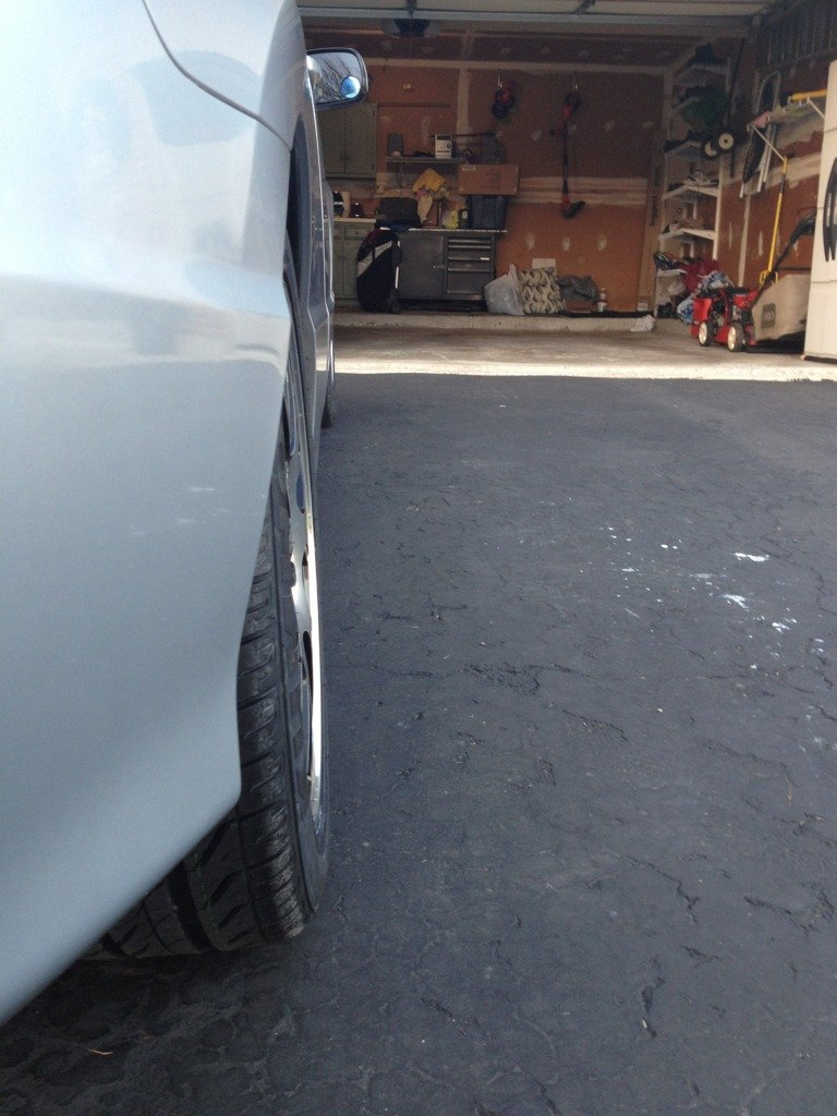 Is my tire slanted inward?-imageuploadedbyag-free1353536561.078184.jpg