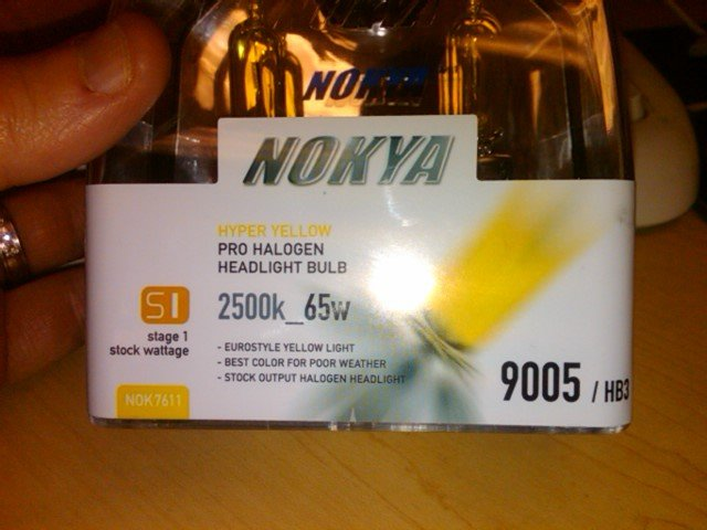 Nokya JDM Hyper yellows vs Luminics JDM Yellow Krypton-img00014-20100401-1444.jpg